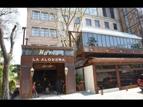 "ACTO INAUGURAL DE APERTURA DEL HOTEL FACTORIA ""LA ALONDRA"" ASUNCION PARAGUAY"