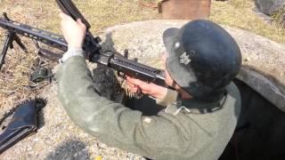 FIRING A MG42 - FULL BURST