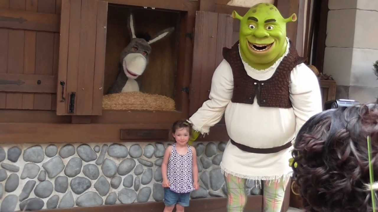 Shrek With Donkey Having A Meet And Greet At Universal Studios Florida Youtube