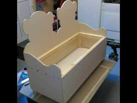 fabrication d 39 un coffre a jouet sur mesure youtube. Black Bedroom Furniture Sets. Home Design Ideas