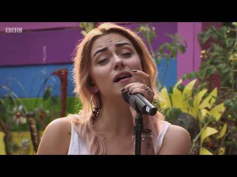 Live Lounge- Miley Cyrus