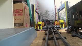 鉄道模型 踏切 カメラカー (O-gauge railroad crossing camera car for O-gauge)