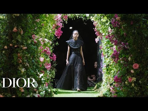 Key looks from the Dior Haute-Couture Autumn-Winter 2019-2020 show