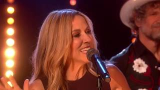 "Sheryl Crow @ the Graham Norton Show (""Still The Good Old Days"" + Interview)"