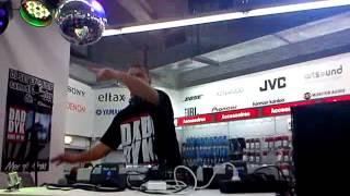 DJ daddy K Medi Markt Liège le 02-02-2013 video 3