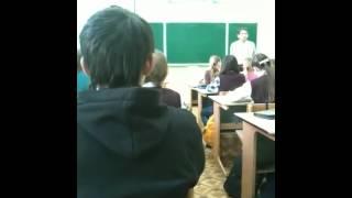 Урок музыки в нашем классе пипеееец