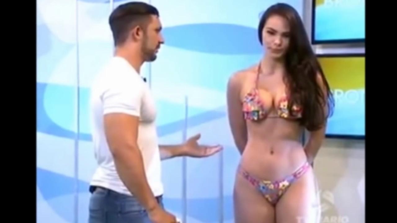Hermosa chica manoseada en la piscina - 4 2
