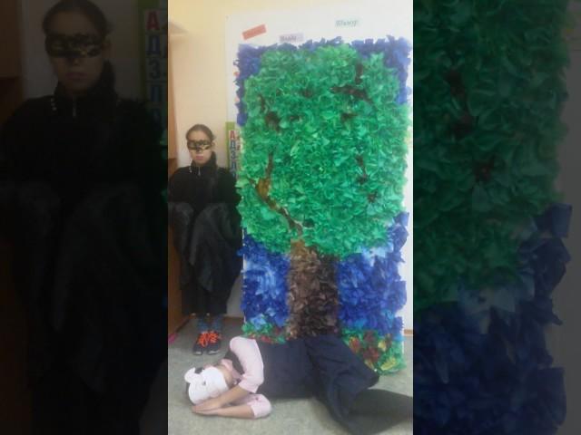 Изображение предпросмотра прочтения – «Ученики 5 А класса МБОУ Намская СОШ№2» читает произведение «Свинья под дубом» И.А.Крылова