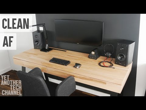 Highly minimal desk PC setup tour