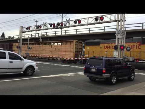 Union Pacific 791 YSR62r Folsom Turn Local, Sunrise Boulevard Railroad Crossing, Rancho Cordova CA