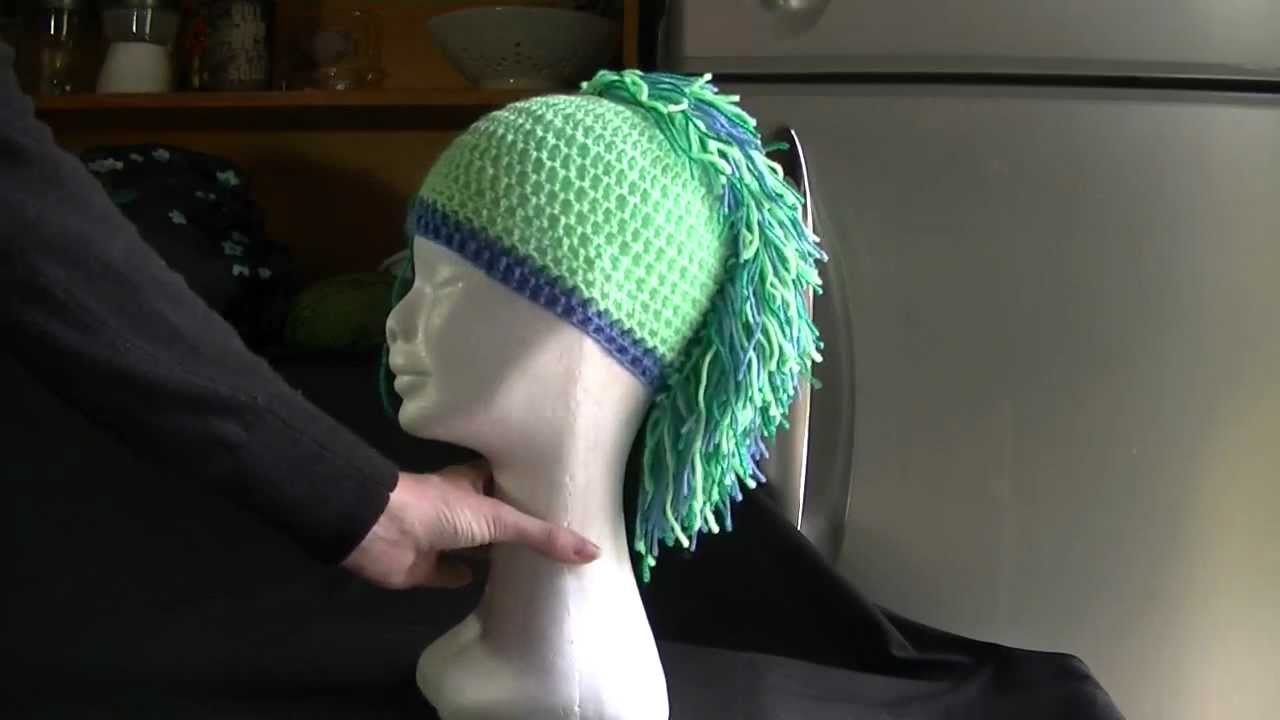 Mohawk Hat   Beanie Mini Crochet Tutorial - YouTube 641d0bc6b6b