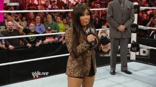 Raw: Trish Stratus vs. Vickie Guerrero