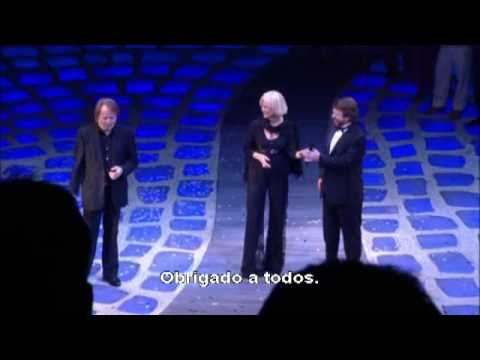 Frida sings Dancing Queen on the backstage of Mamma Mia  portuguese subtitle