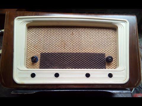 RADIO ANTIGUA , BARNIZADO, RESTAURACION DEL MUEBLE. P2.