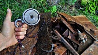 Заработал денег решив поискать металлолом в реке Поисковый магнит выручает