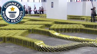 Book Dominoes - Guinness World Records 2016 thumbnail