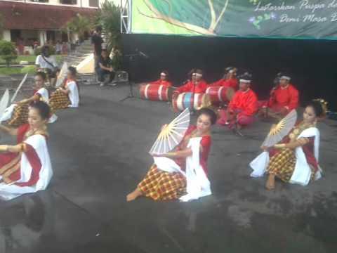 Tari Pakarena. Makassar. Sulawesi Selatan...