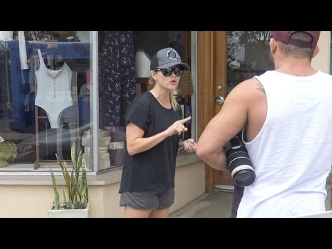Reese Witherspoon Lectures The Paparazzi