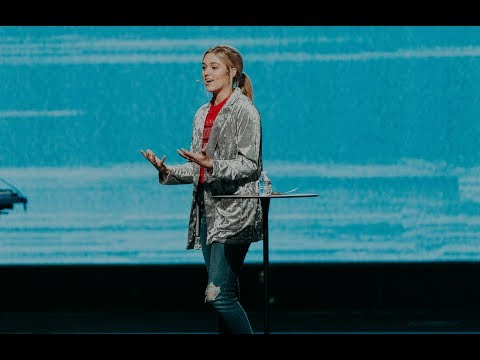 Sadie Robertson – Don't Waste the Waiting | Love is Red 2019