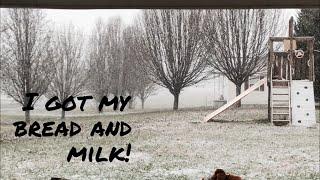 I got my bread and milk!!    Vlogmas day 8