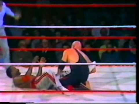 Skull Murphy v Ironfist Clive Myers (world of sport)