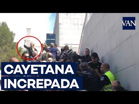 Así han increpado a Cayetana Álvarez de Toledo en la UAB