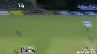 Cricket hits😎