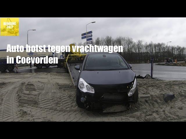 4K BERGING -  AUTO BOTST TEGEN VRACHTWAGEN IN COEVORDEN
