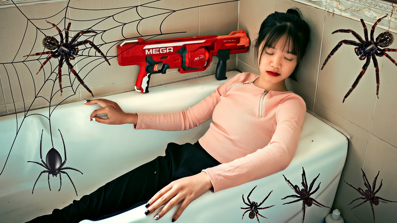 Pink Girl Nerf War: Magician Fighting Zombies Spider & Ms.Tranbi Nerf Guns Against Group Criminals