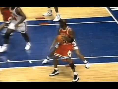 Michael Jordan drop step and score versus New York Knicks