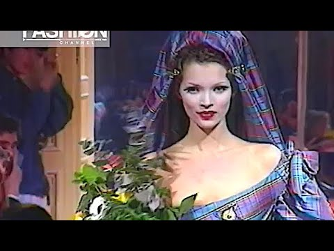 VIVIENNE WESTWOOD Fall 1993 Paris - Fashion Channel
