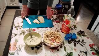 Лёгкий салат из крабовых палочек и зелёного яблока