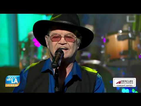 Micky Dolenz of The Monkees Pleasant Valley Sunday, I'm A Believer Live 2019