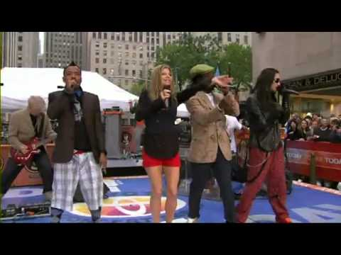 Black Eyed Peas - My Humps live hd - today show (great)
