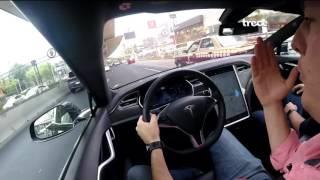 Tesla en Piloto Automático sobre Periférico