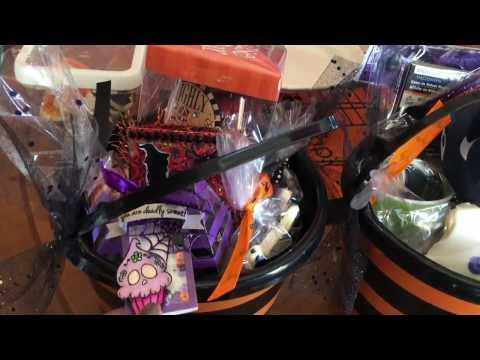 DIY Halloween Treat Baskets - How to pack a Boo Basket  Halloween Ideas