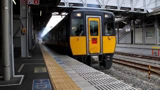 岡山駅を爆煙で発車するスーパーいなばです。