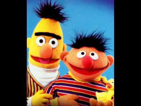 Bert en Ernie - Ik Ben Een Kerstbal(Christmas song)
