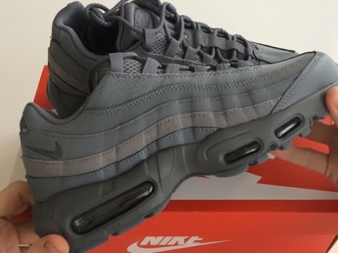 cheap for discount 8b4ef 207f5 Nike Air Max 95 Essential