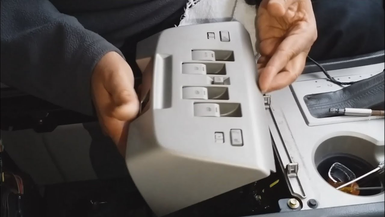 How To Open Center Console 2004 Lincoln Navigator In Easy