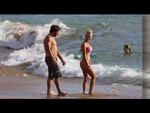 Pamela Anderson Weds Rick Salomon | Splash News TV | Splash News TV