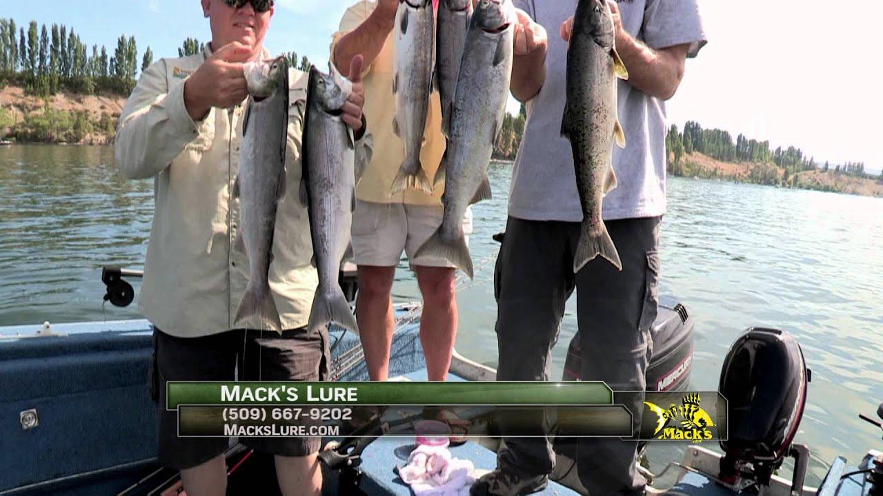 Columbia river sockeye fishing buoy 10 chinook youtube for Columbia river fish counts