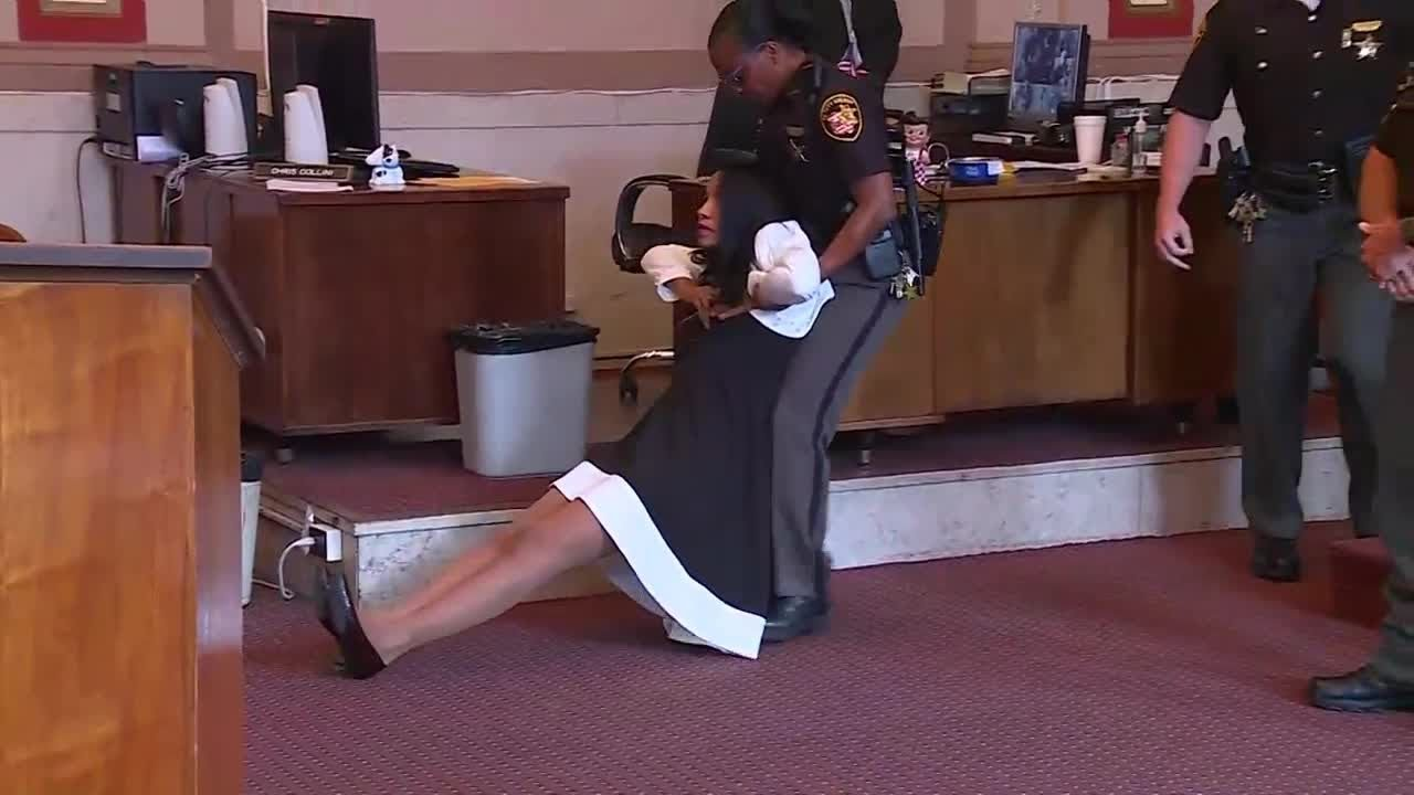 Download Former Judge Tracie Hunter dragged out of the courtroom, ordered to serve six months in jail