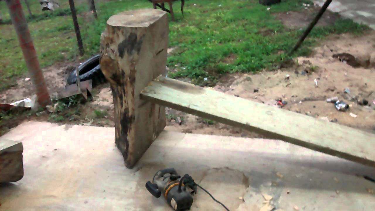 Como hacer una banca con un tronco youtube for Bancos de jardin rusticos