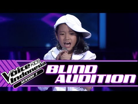 Mikayla  Coke Bottle  Blind Auditions  The Voice Kids Indonesia Season 3 GTV 2018
