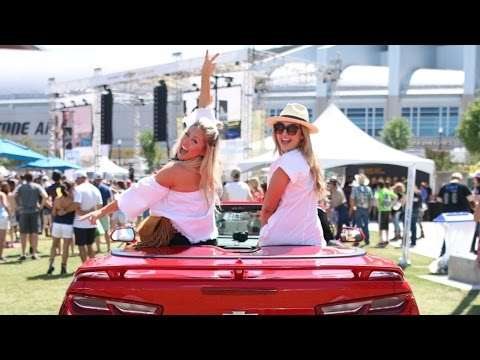 AMAZING COUNTRY MUSIC FESTIVAL IN NASHVILLE | ALEX AND MICHAEL