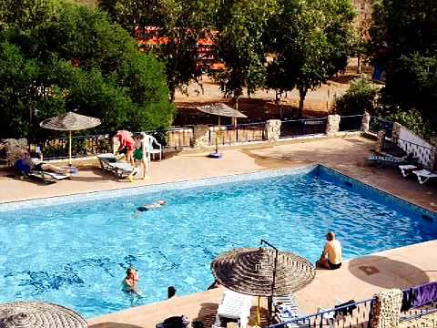 Piscine camping le calme essaouira youtube for Camping les issambres avec piscine