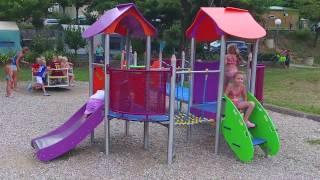 Camping Le Castelet - Ardèche - piscine chauffée - rivière - jeux pour enfants
