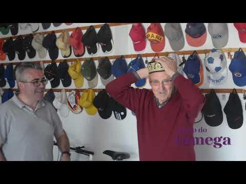 Coleccionista de gorras en Oímbra