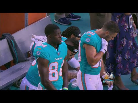 NFL Player Protests Resume During Anthem, Including Miami Dolphins